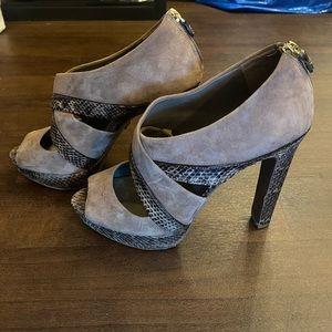 Tory Burch Leather/Suede Gray Platform Heels - 9